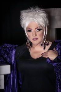 Dee Richards - Photo by Richard Yates