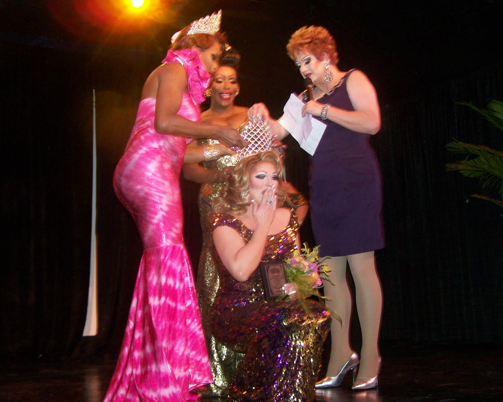 Tajma Stetson being crowned  Missouri Entertainer of the Year, F.I. 2013 at the Sheldon Concert Hall in St. Louis, Missouri. on the night of November 11th, 2012.  Standing left to right: are Alexis Principle, Mokha Montrese and Michelle McCausland.