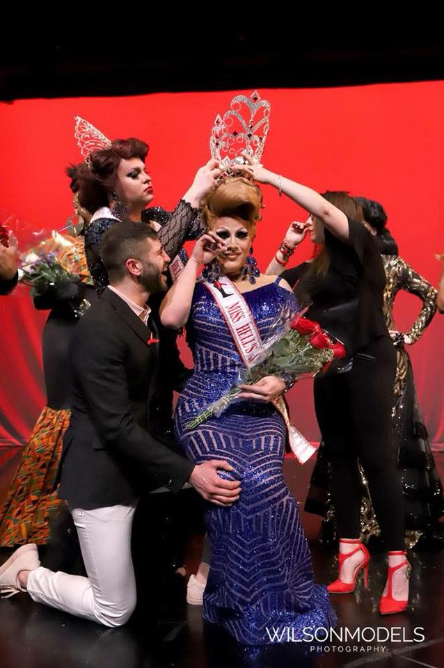 Outgoing Miss Hell's Kitchen 2016, Vita Summers crowns the new Miss Hell's Kitchen 2018, Lady SinAGaga.  (Photo by Wilson Models Photography)