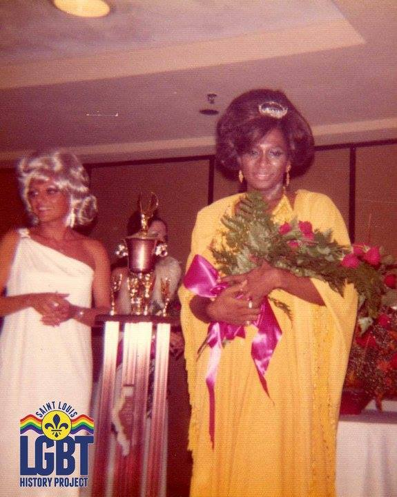 Lana Kuntz and Miss Peaches at the 1975 Miss Gay Illinois Pageant .