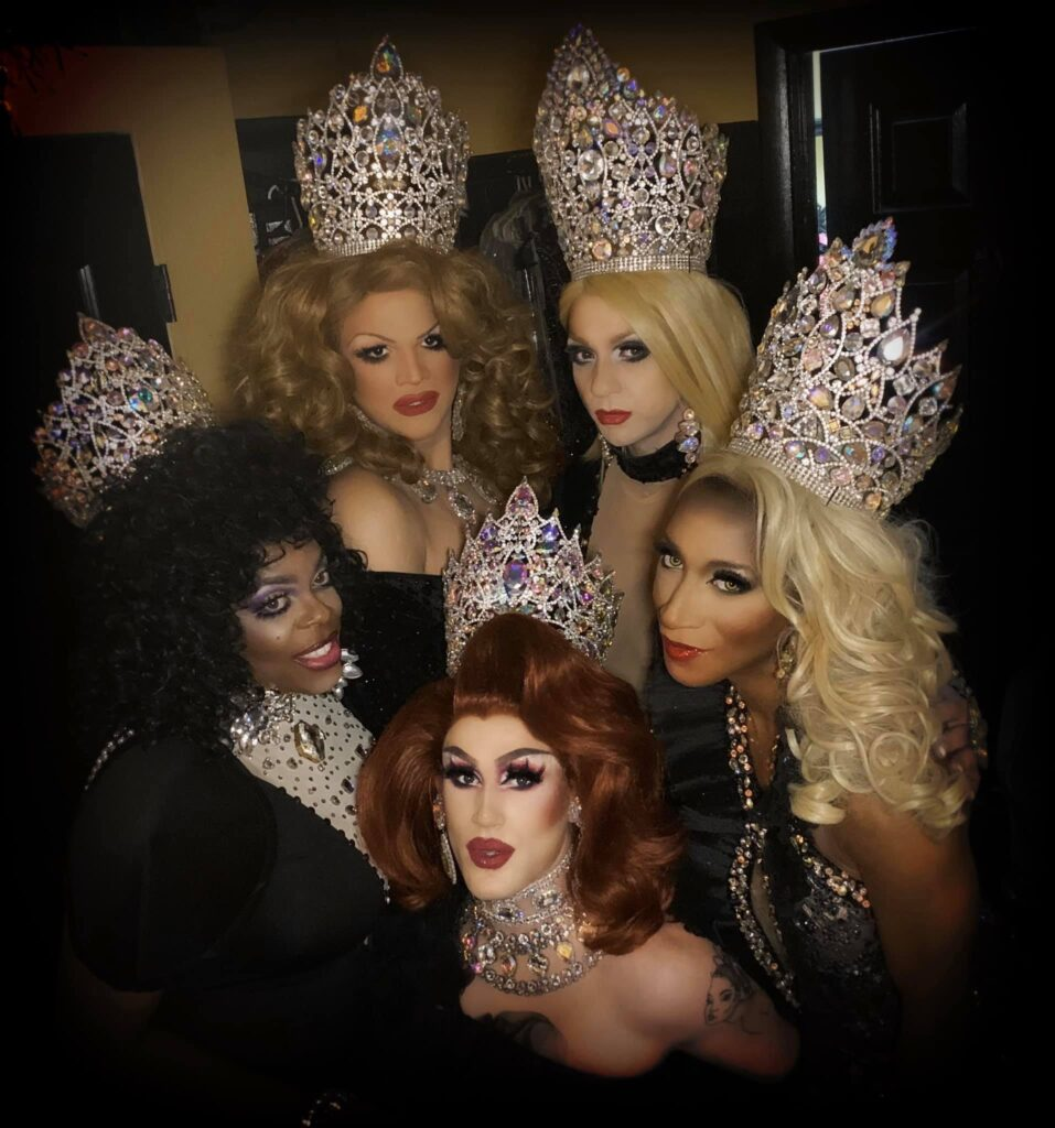 Back: Ava Aurora Foxx and Britney Blaire / Front: Mikayla Denise, Soy Queen and Nadia Nyce   Southbend Tavern (Columbus, Ohio)   1/25/2020