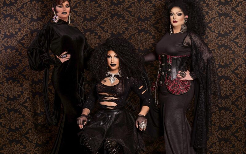 Erika Evans, Courtney Kelly and Tiffanie Taylor | Photo by Laura Dark Photography