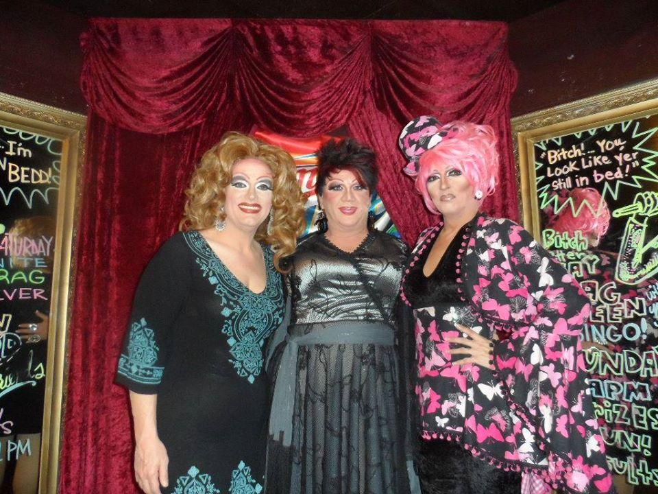 Vivi Velure, Hellin Bedd and Samantha Rollins | Cavan Irish Pub (Columbus, Ohio) | 8/8/2015