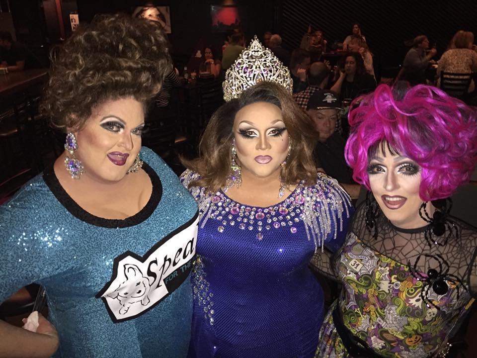 Vivian Von Brokenhymen, Reianna Ali and Samantha Rollins | Howl-O-Queen IV: New Moon Rising | King Avenue 5 (Columbus, Ohio) | 10/14/2017