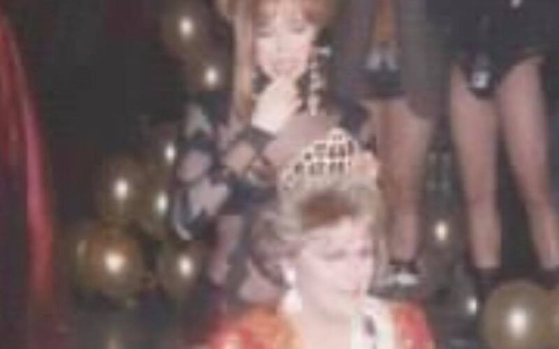 Samantha Rollins crowning Regan Addison as the new Miss Dock | Miss Dock | Dock (Cincinnati, Ohio) | Circa 1993 CROPPED